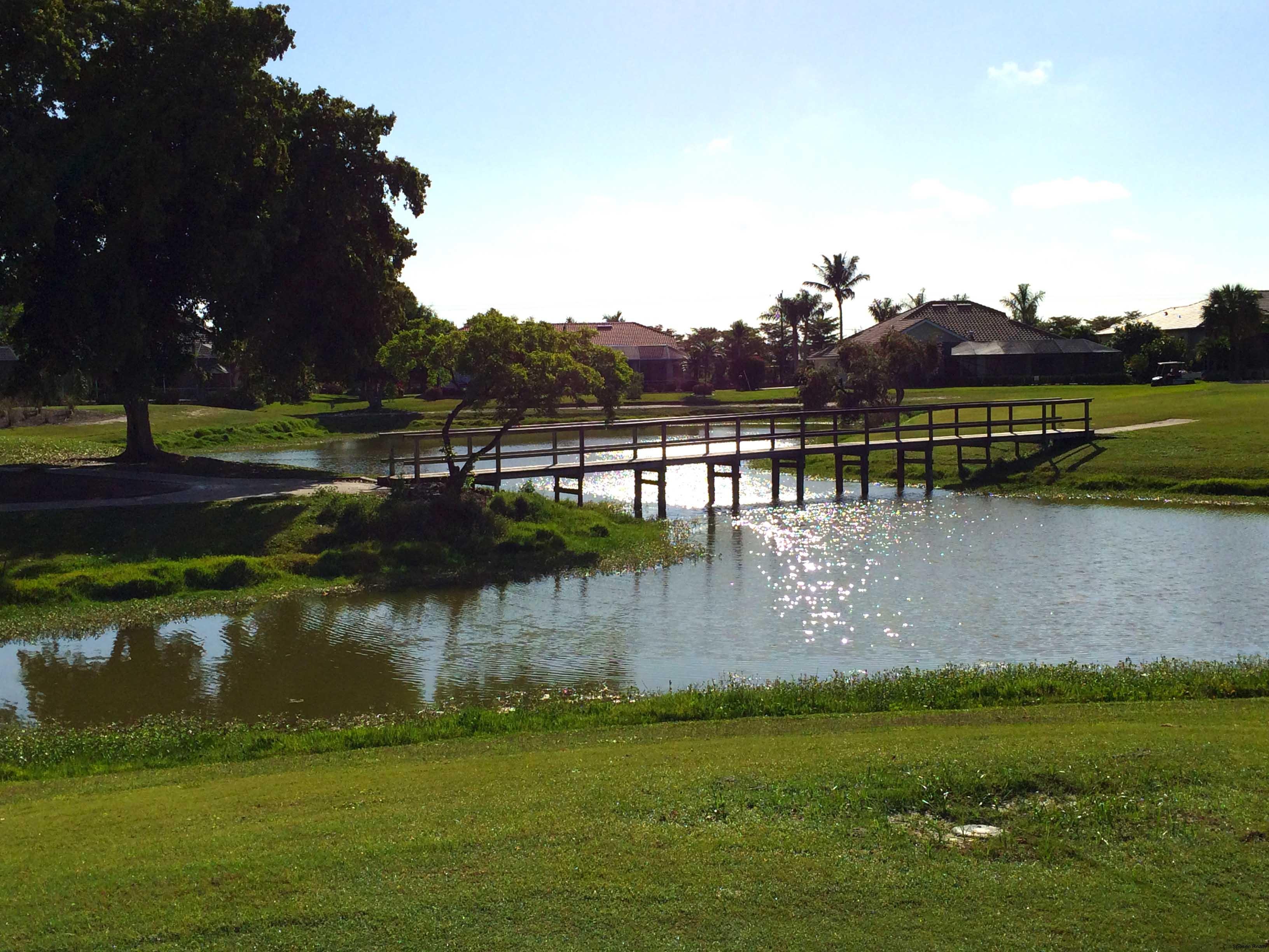 cape-coral-ammenities-cape-royale-golf-cart-path.jpg