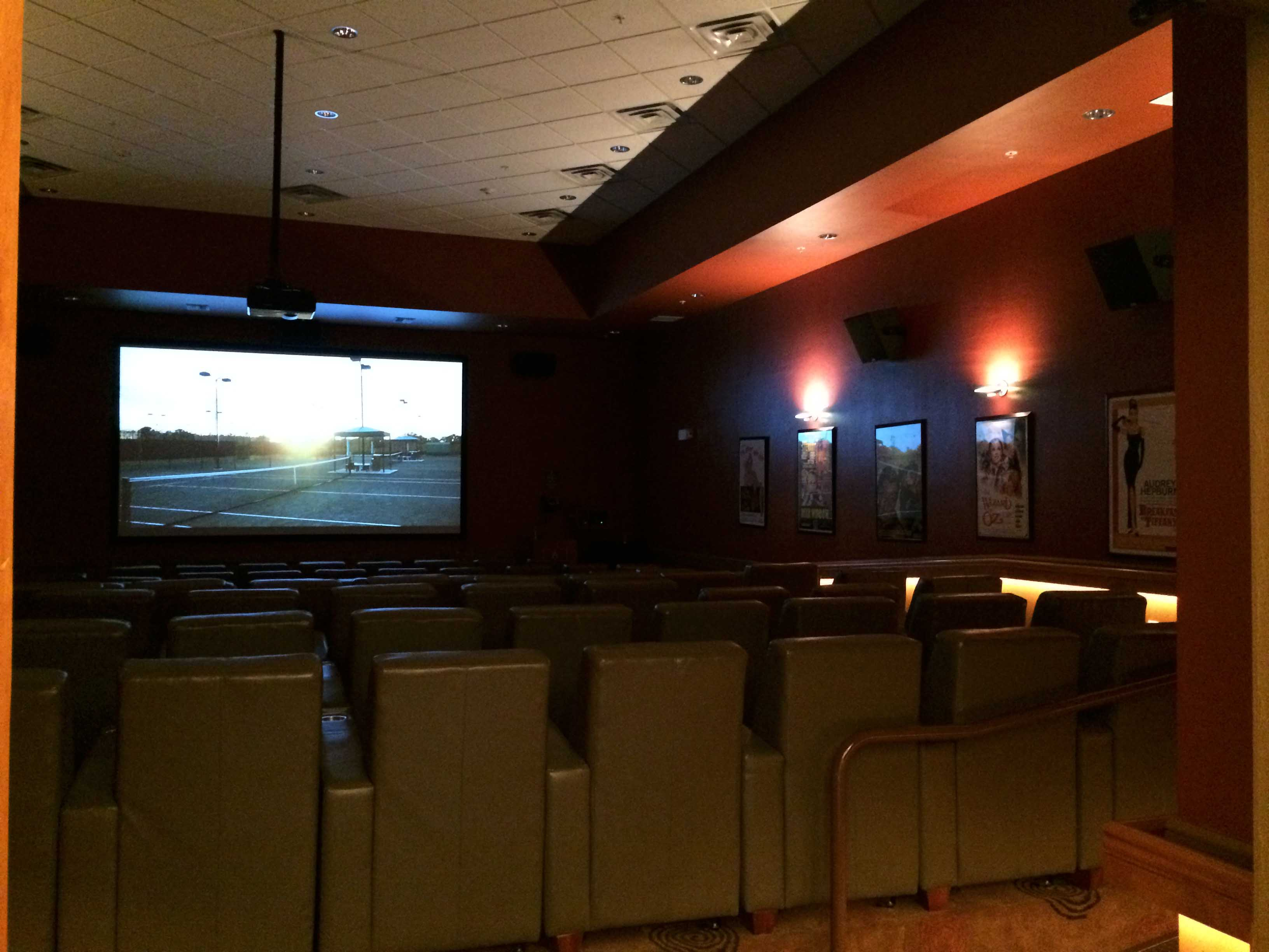 fort-myers-amenities-pelican-preserve-movie-theater.jpg