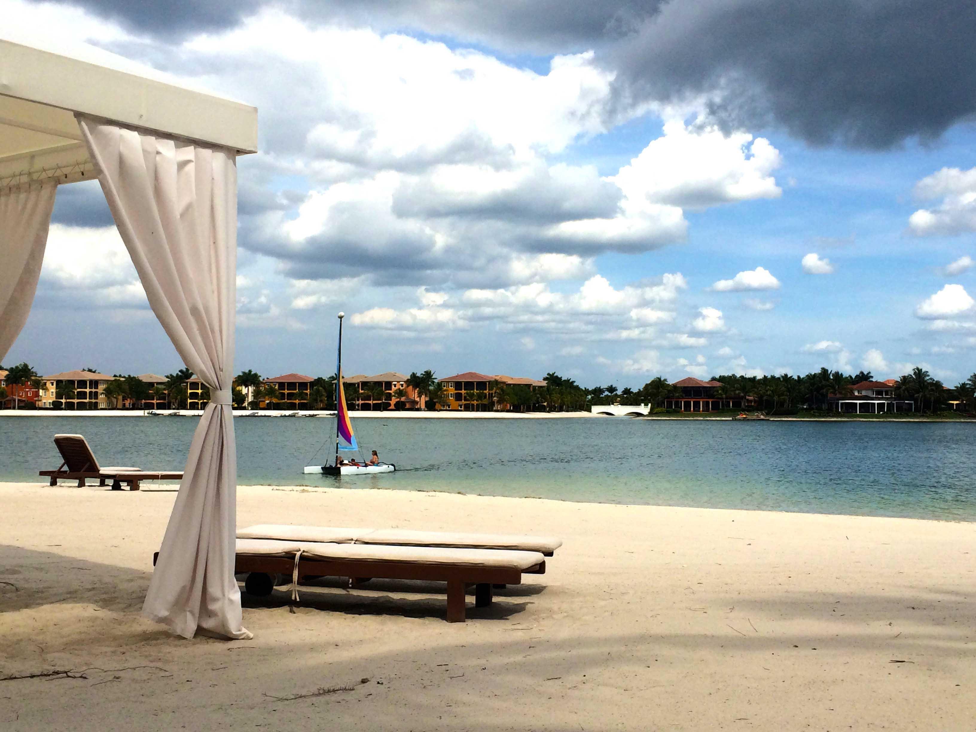 fort-myers-amenities-miromar-beach-cabana.jpg