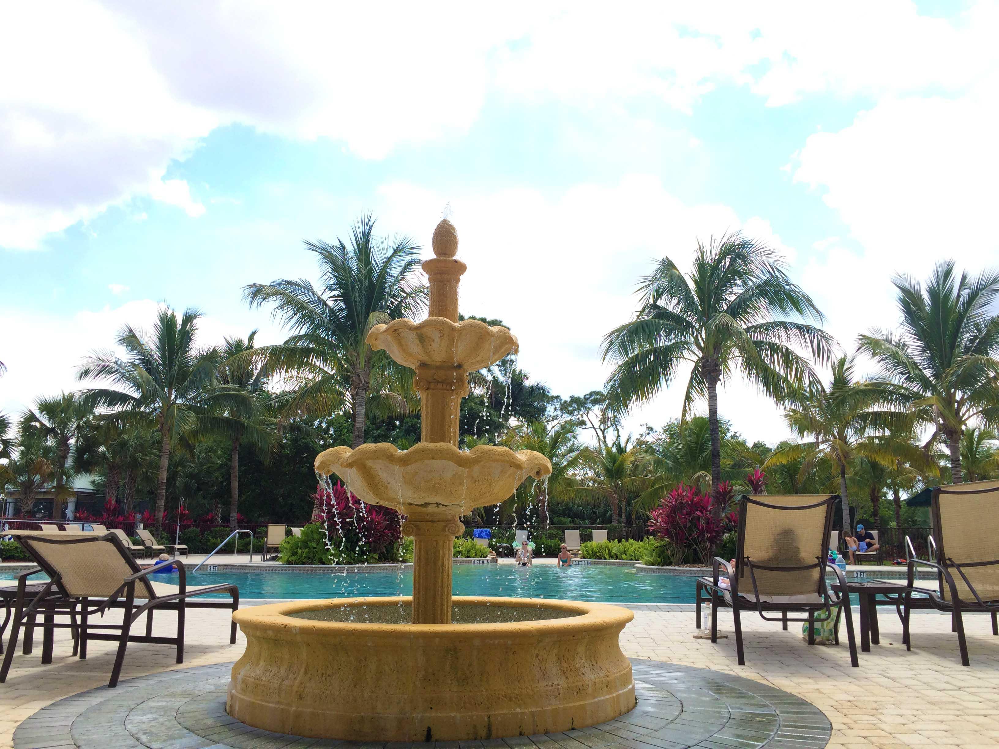 fort-myers-amenities-moody-river-pool.jpg