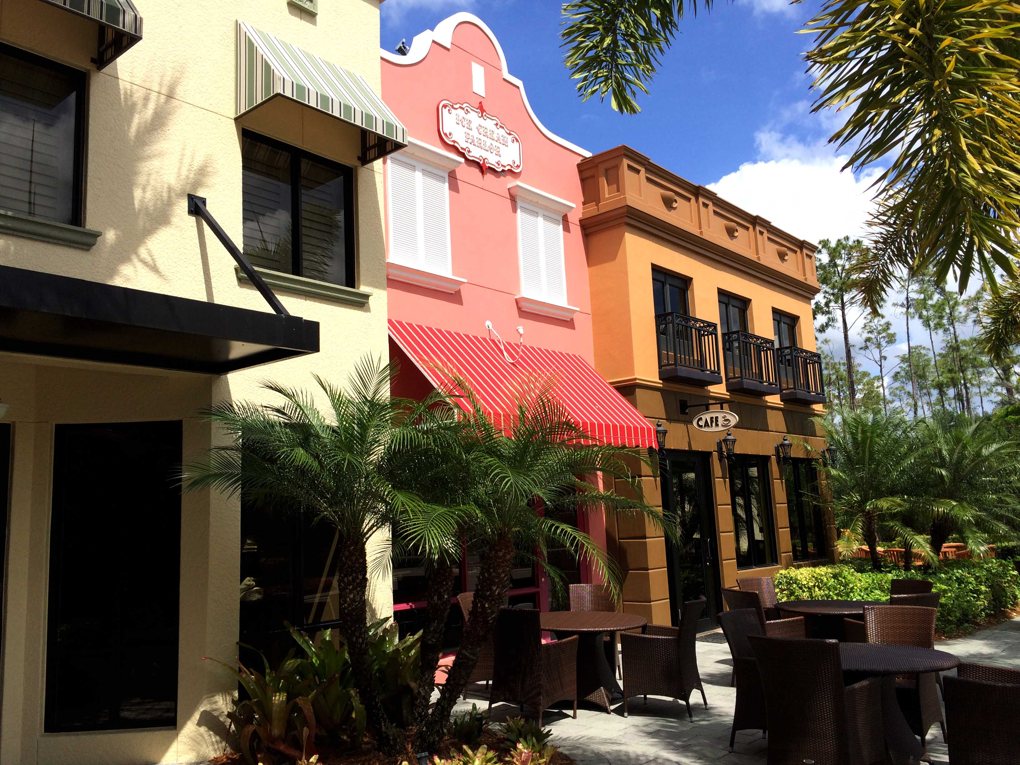 fort-myers-amenities-paseo-shopping.jpg